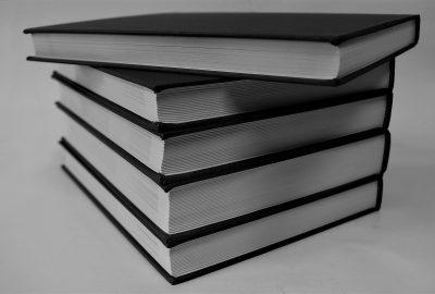 books-2767490_1920
